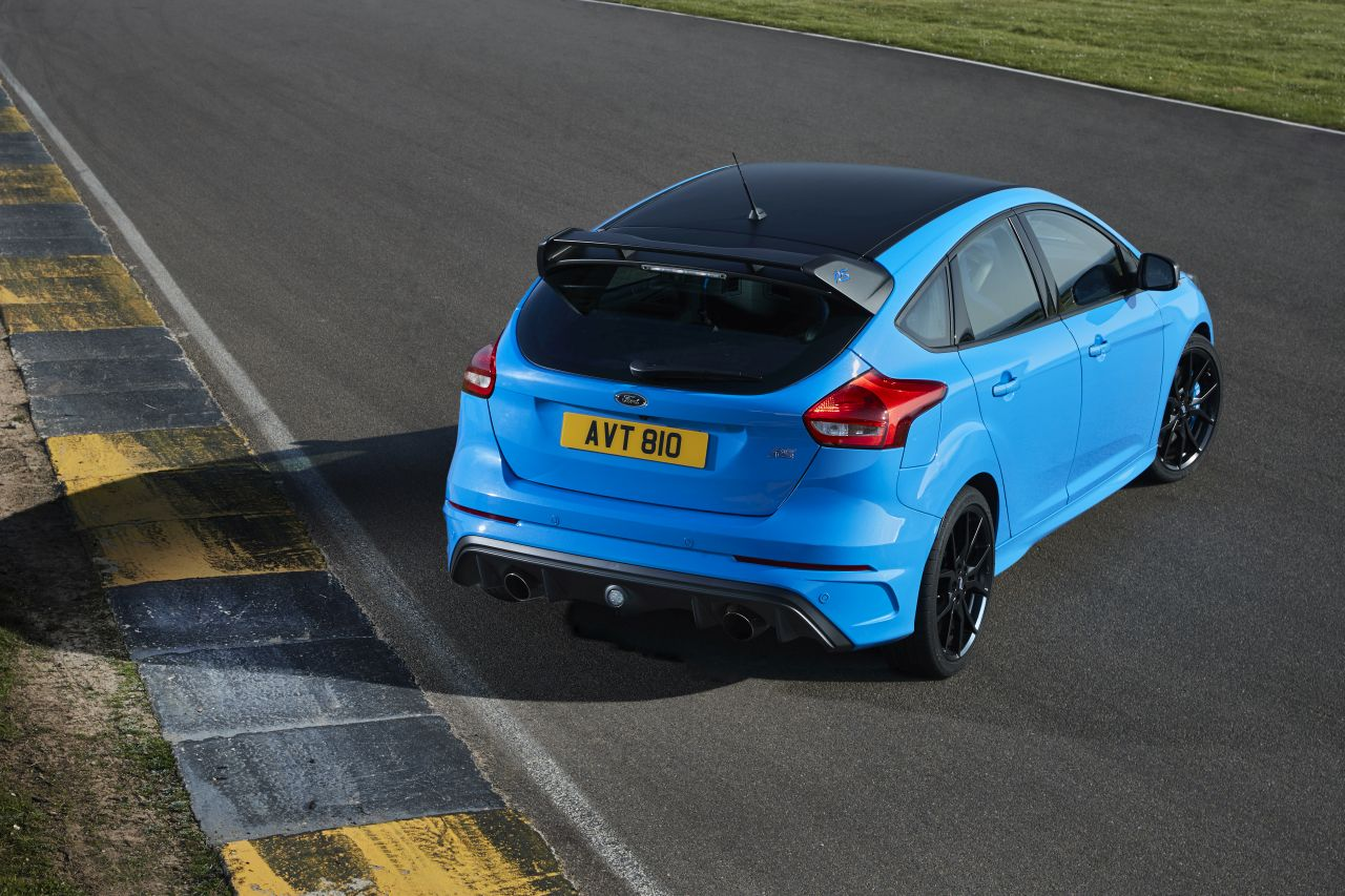 Ford-Focus-RS-Performance-Pack-01.jpg