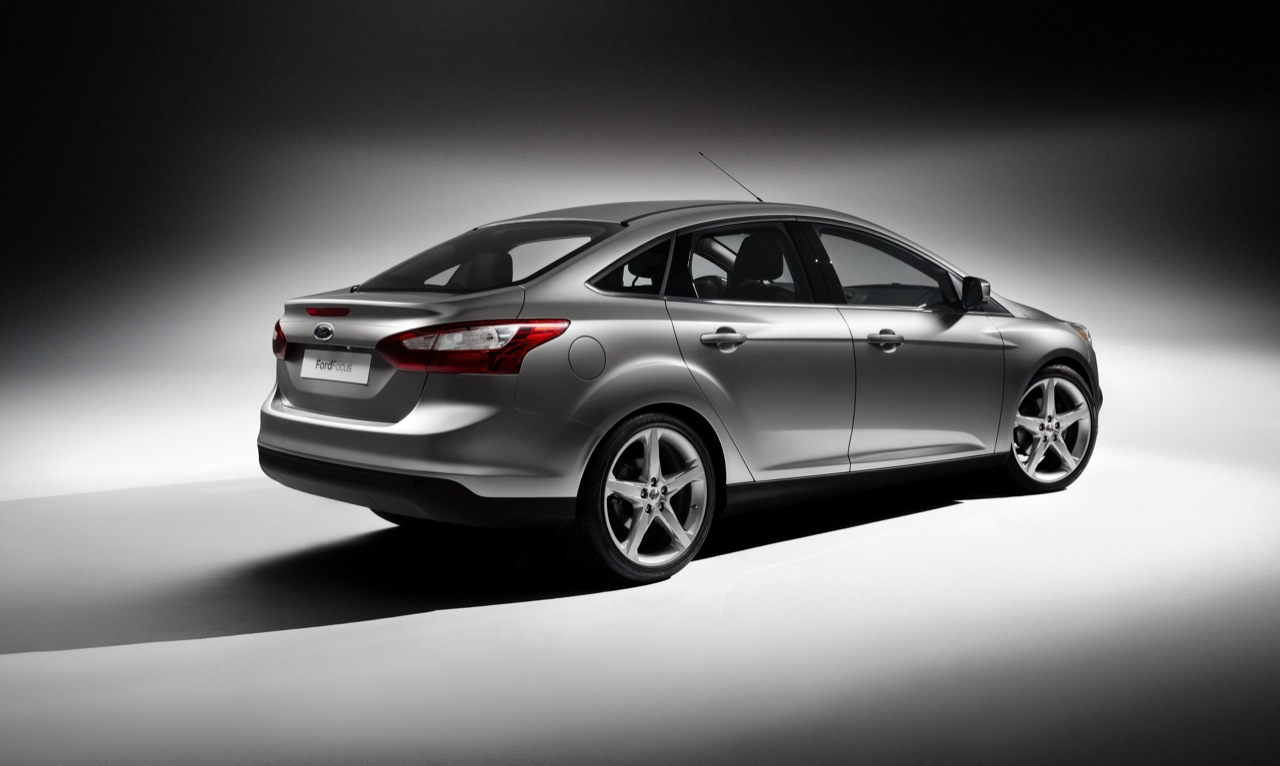 ford-focus-sedan-2011-01.jpg