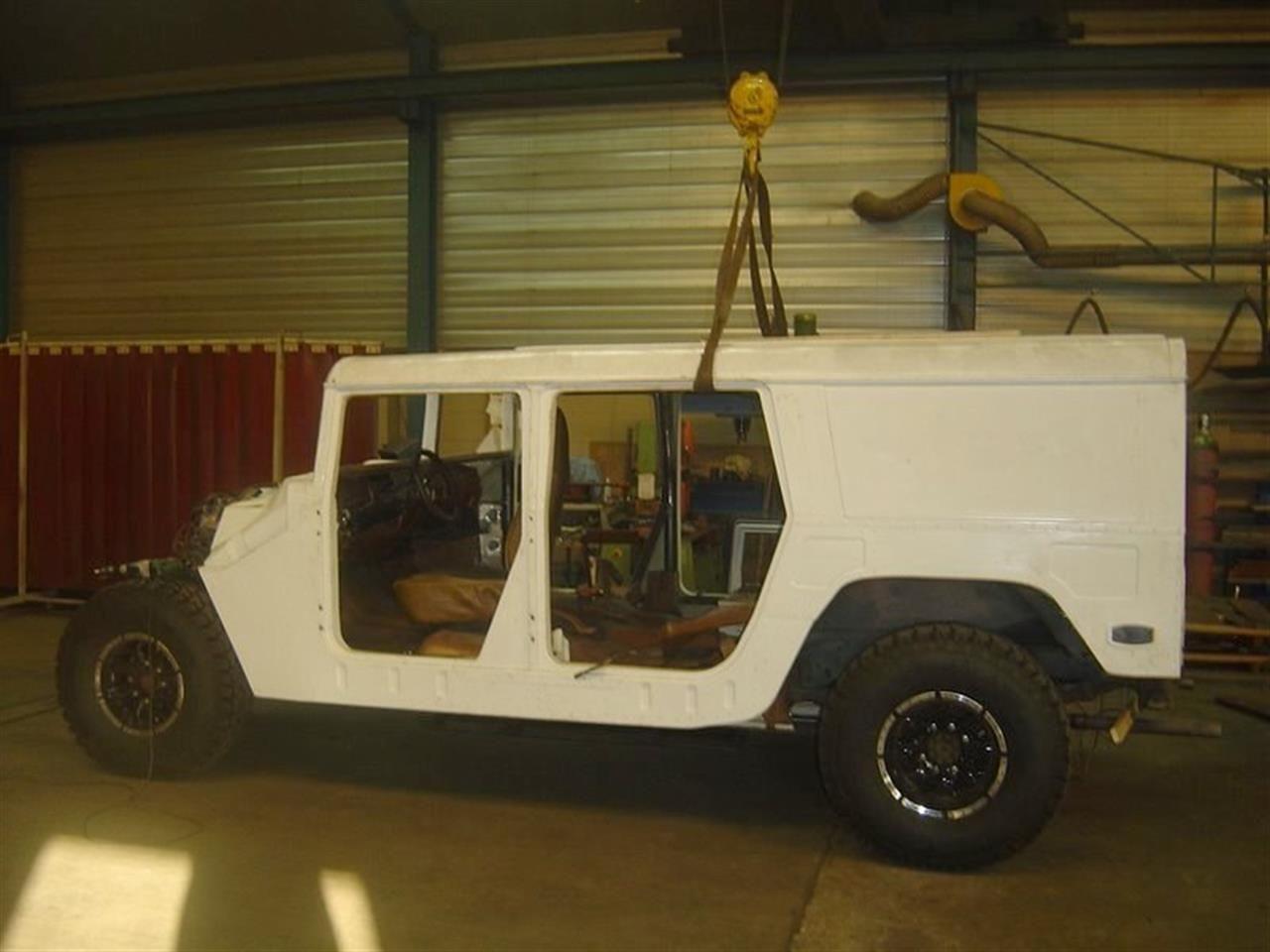 Humbee-Hummer-H1-replica-001.jpg