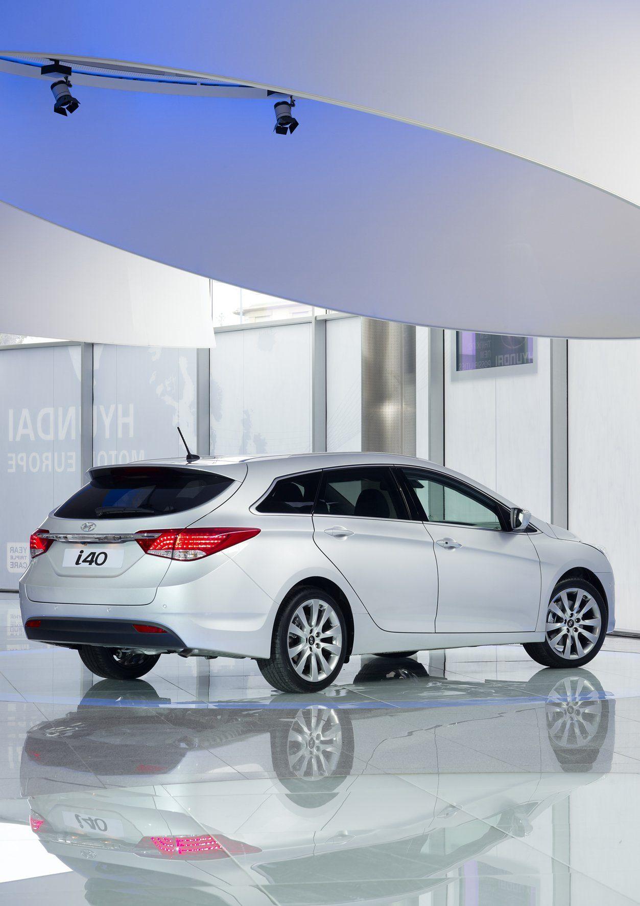 Hyundai_i40_Cw_01.jpg