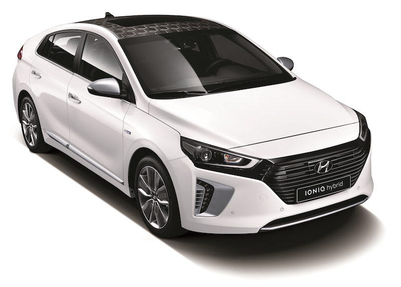 01-Hyundai-IONIQ-rechtsvoor.jpg