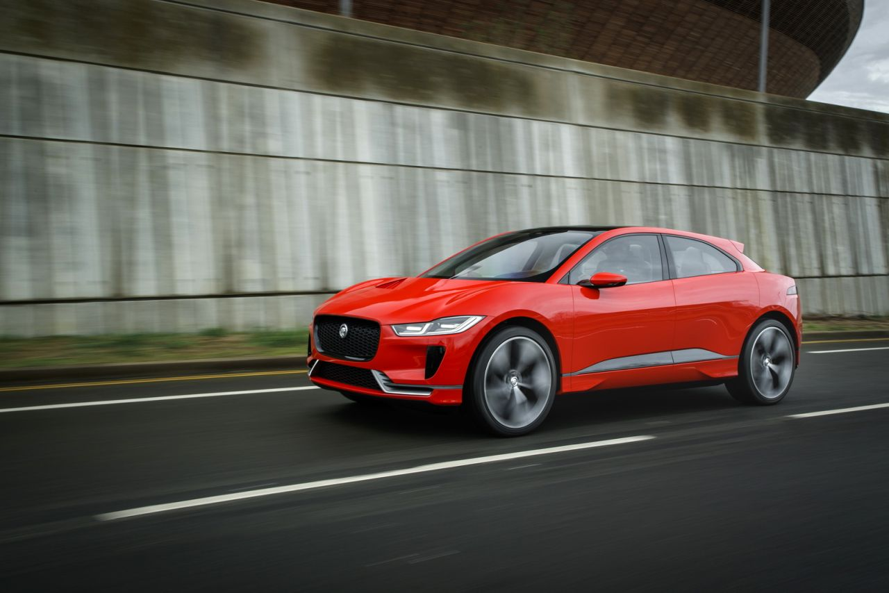 Jaguar-I-Pace-Concept-rood-01.jpg