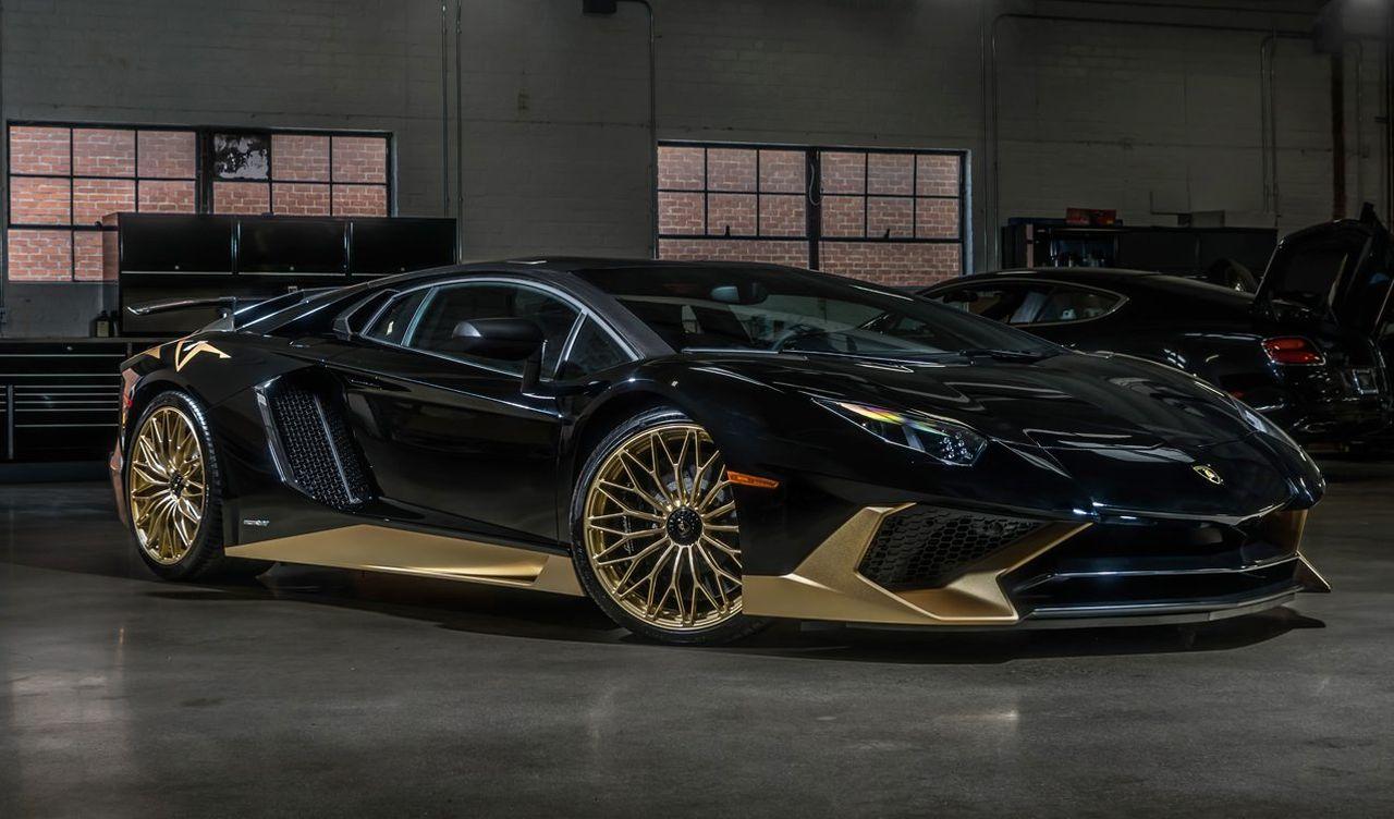 Lamborghini-Aventador-SV-zwart-goud-01.jpg