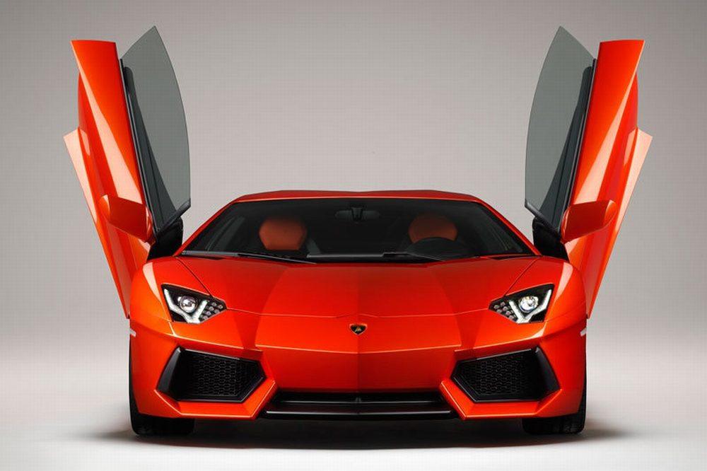 Lamborghini_Aventador_LP700-4_01.jpg