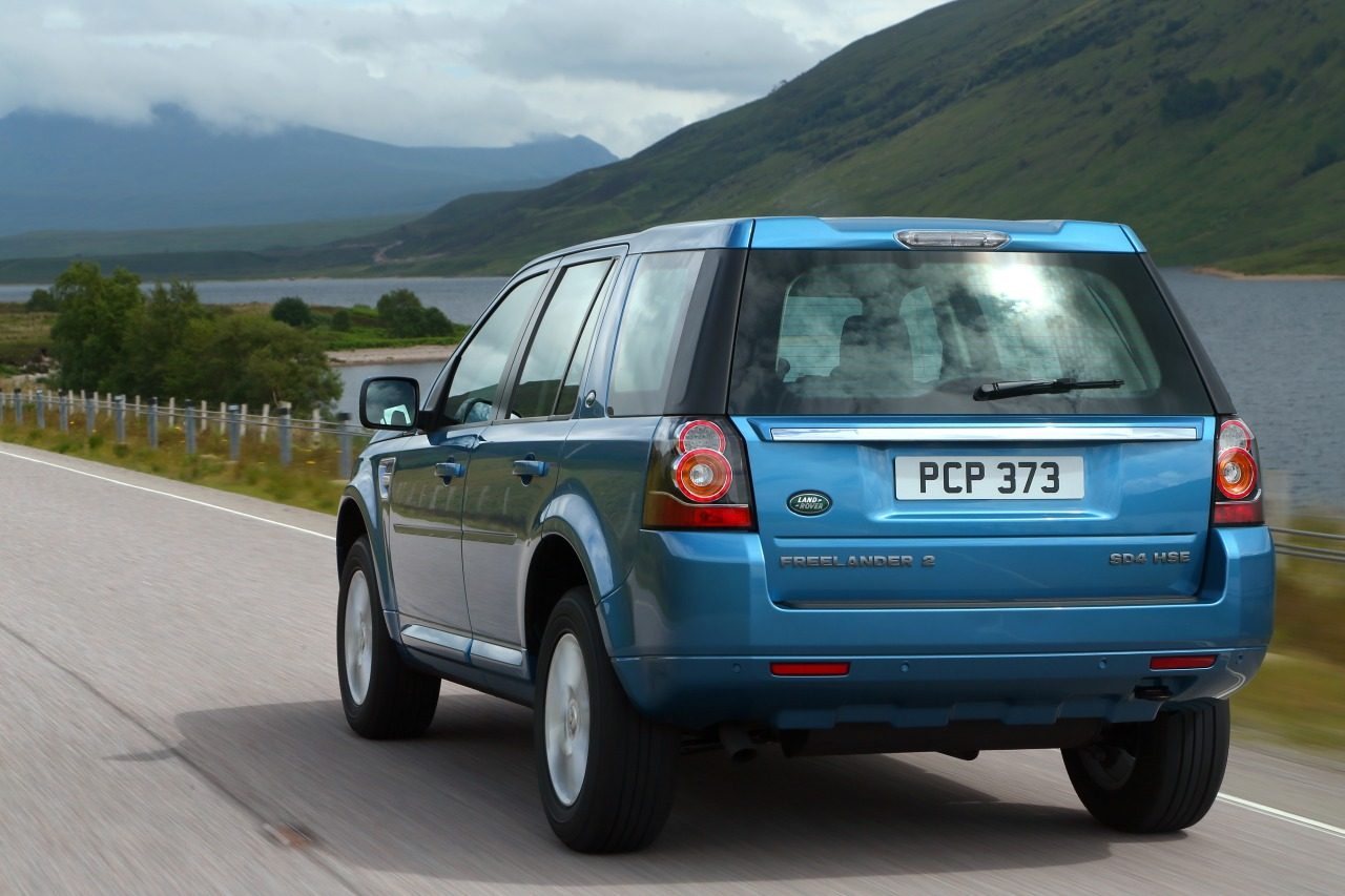 Land-Rover_Freelander_facelift_2013_01.jpg