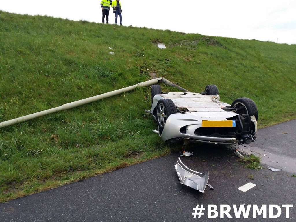 Lotus Elise Crash-01.jpg