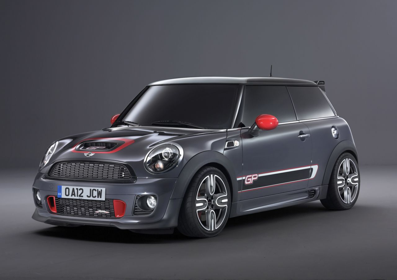 MINI-John-Cooper-Works-GP-01.jpg