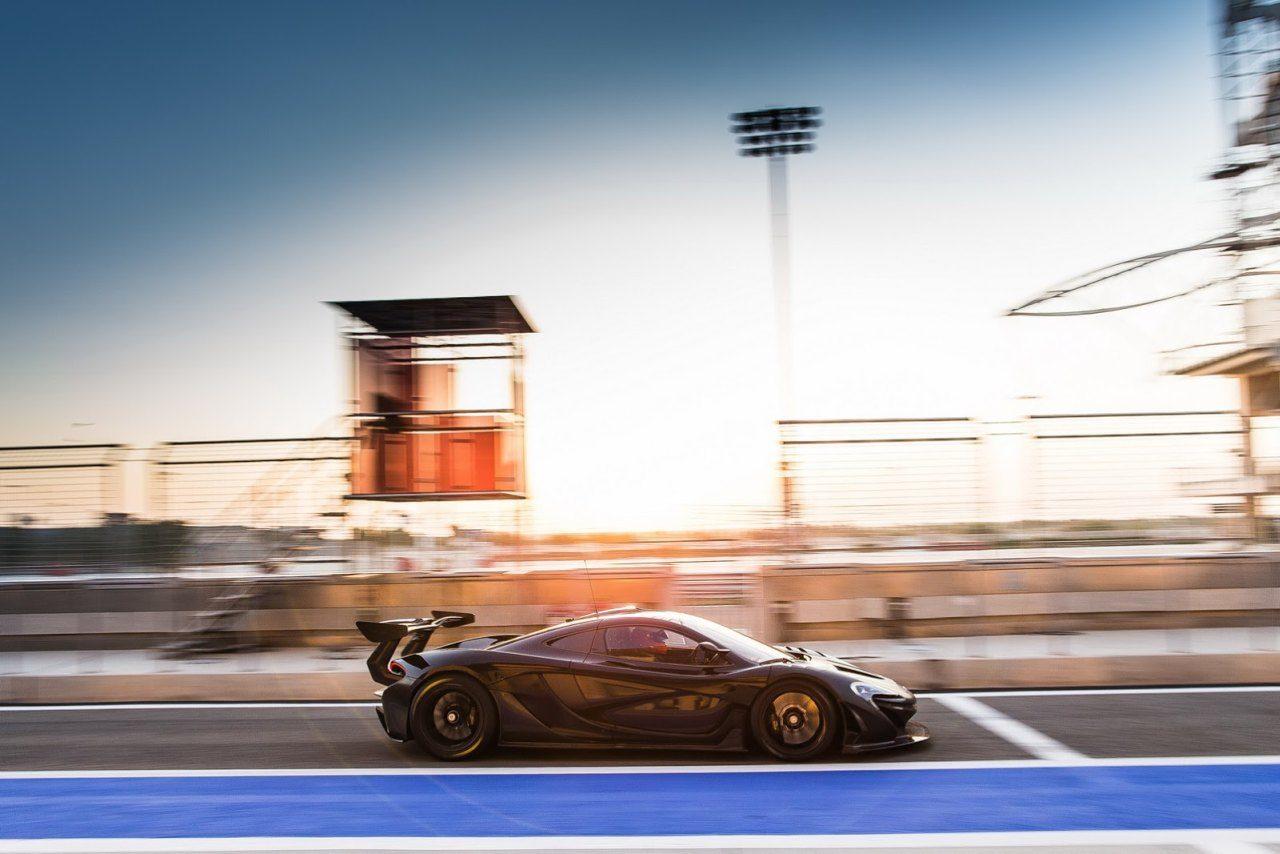 McLaren-P1-GTR-zwart-01.jpg