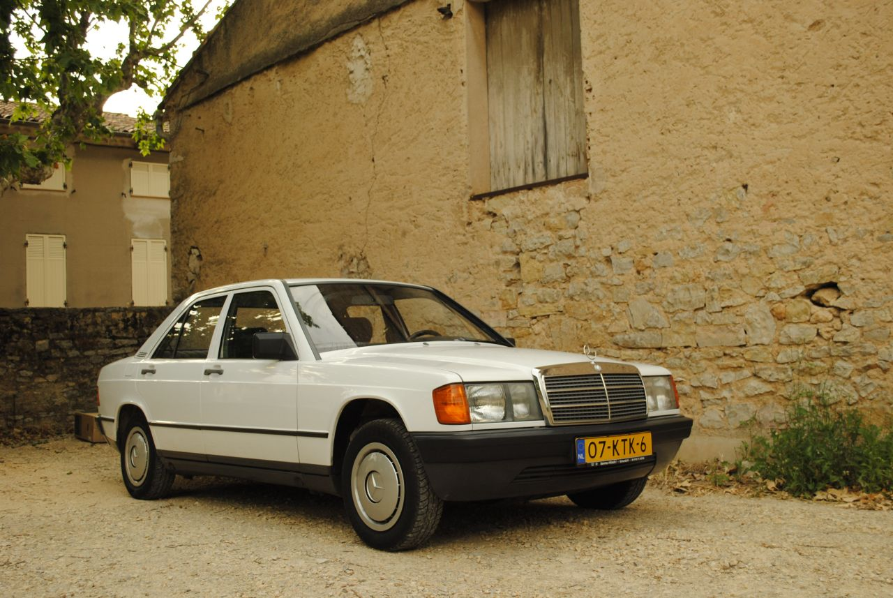 Mercedes_190_Youngtimer_01.jpg