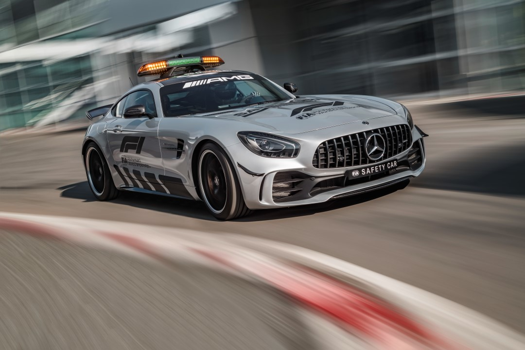 mercedes-amg-gt-r-safety-car-f1-2018-001.jpg
