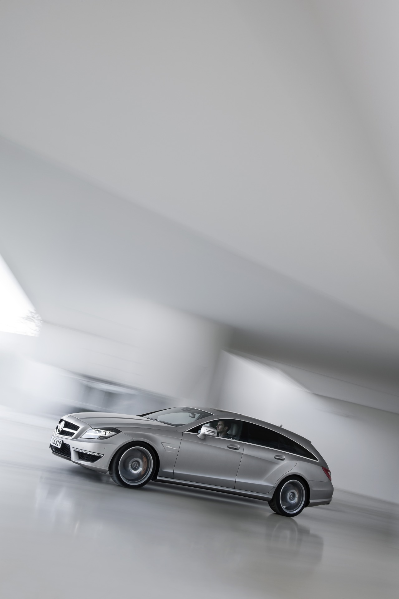 Mercedes_CLS63_AMG_Shooting_Brake_01.jpg