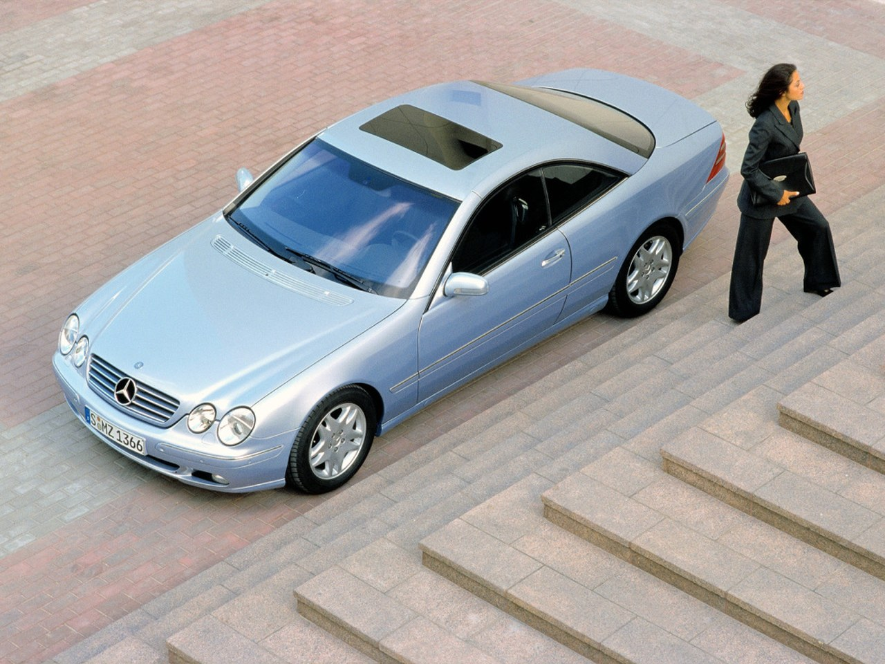 Mercedes_CL_C215_01.jpg