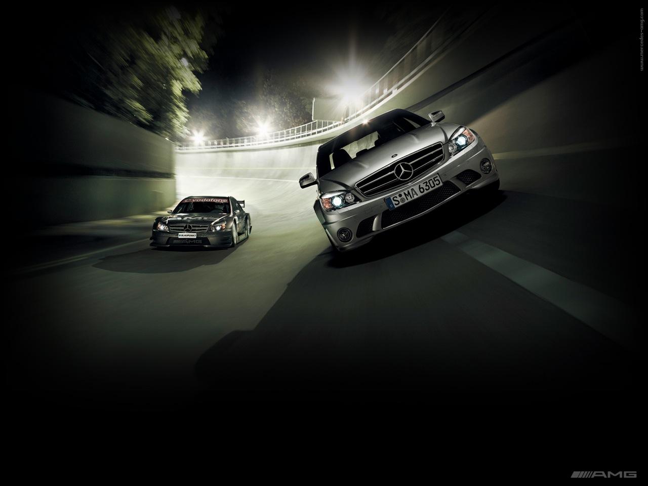 Mercedes-Benz_C63_AMG_1.jpg