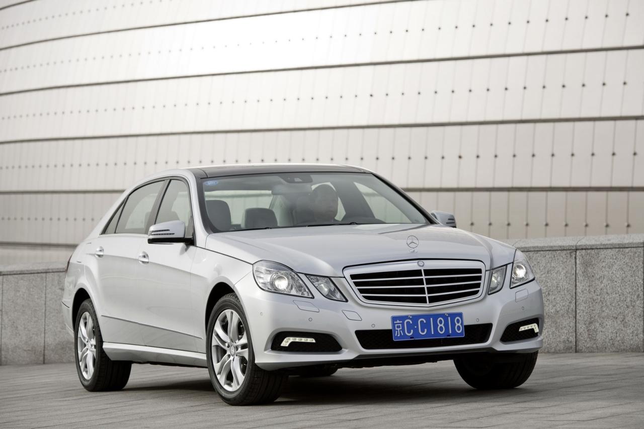 Mercedes_EKlasse_2010_LWB_01.jpg