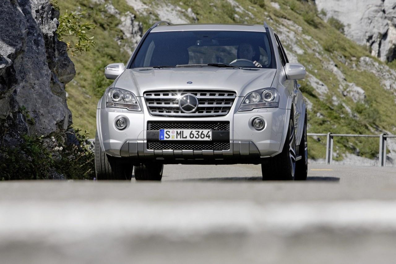 Mercedes_ML63_AMG_10th_Anniversary_01.jpg