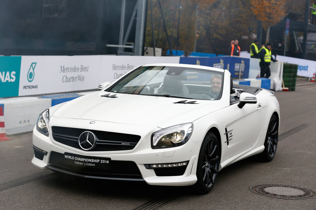 Mercedes-SL63-AMG-World-Championship-2014-Collectors-Edition-01.jpg