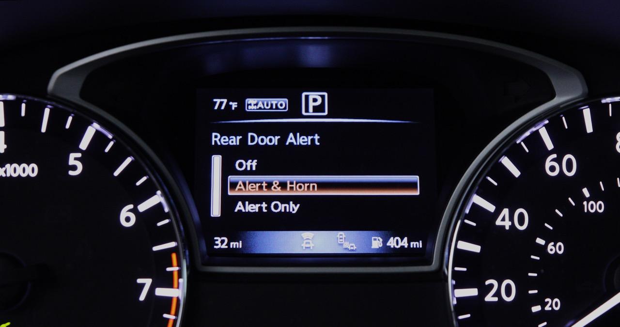 Nissan-Rear-Door-Alert-01.jpg