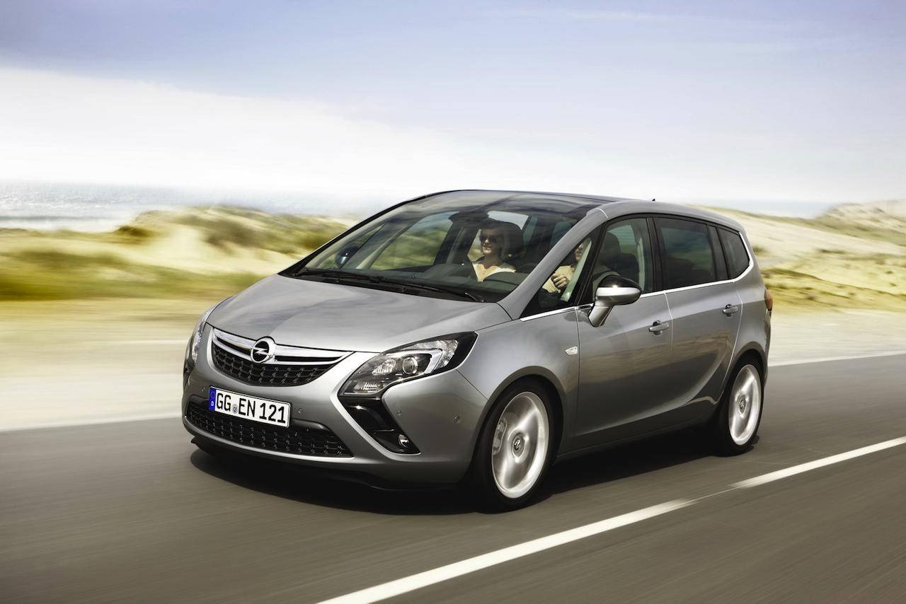 Opel_Zafira_2012_01.jpg