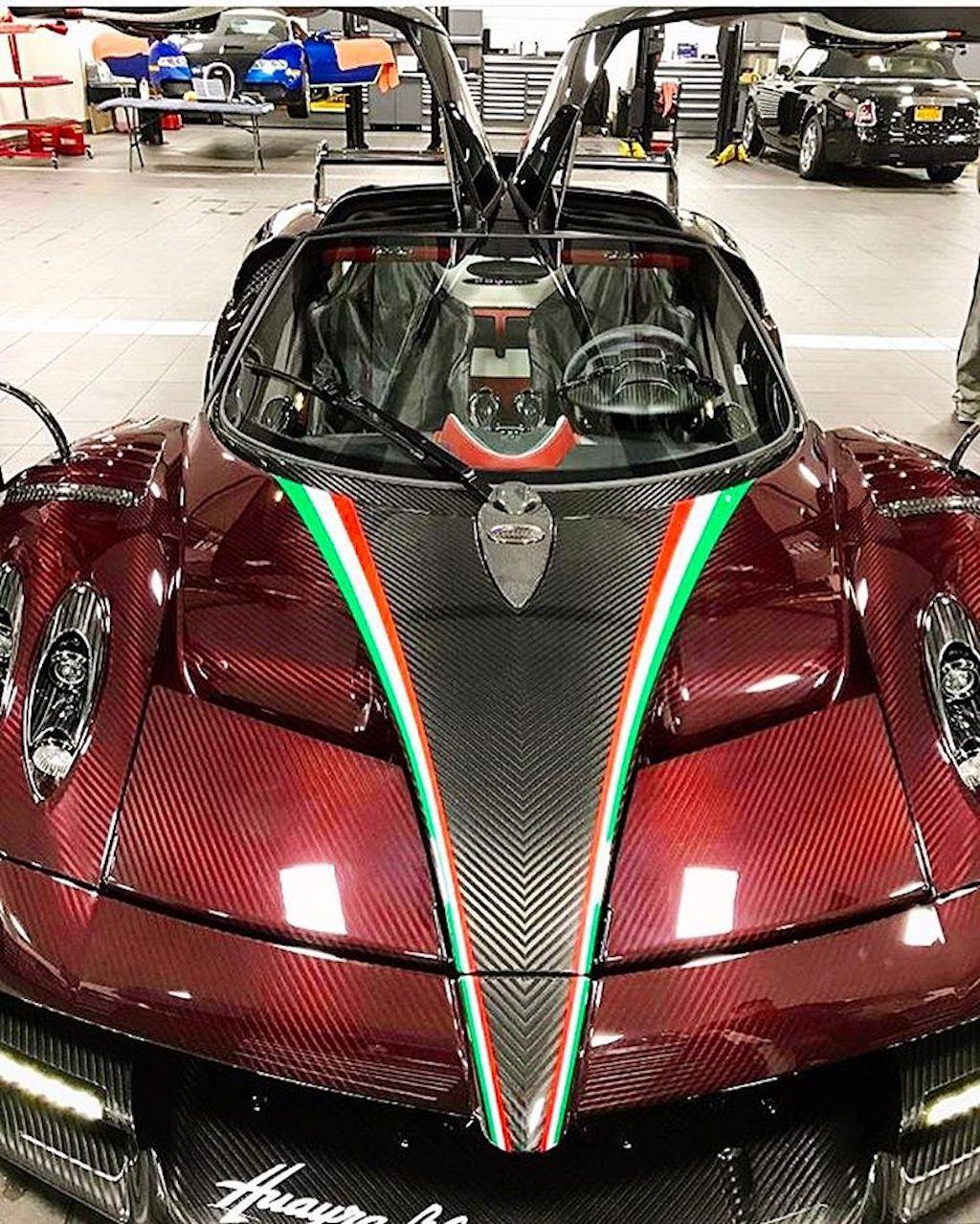huayra-bc-carbon-rood-10000.jpg