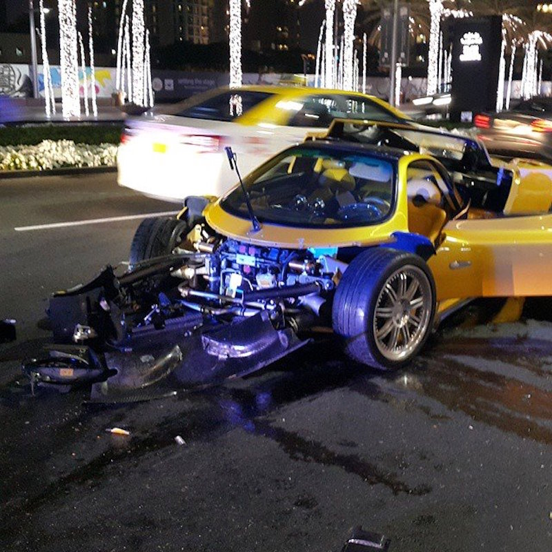 pagani-zonda-f-crash-001.jpg