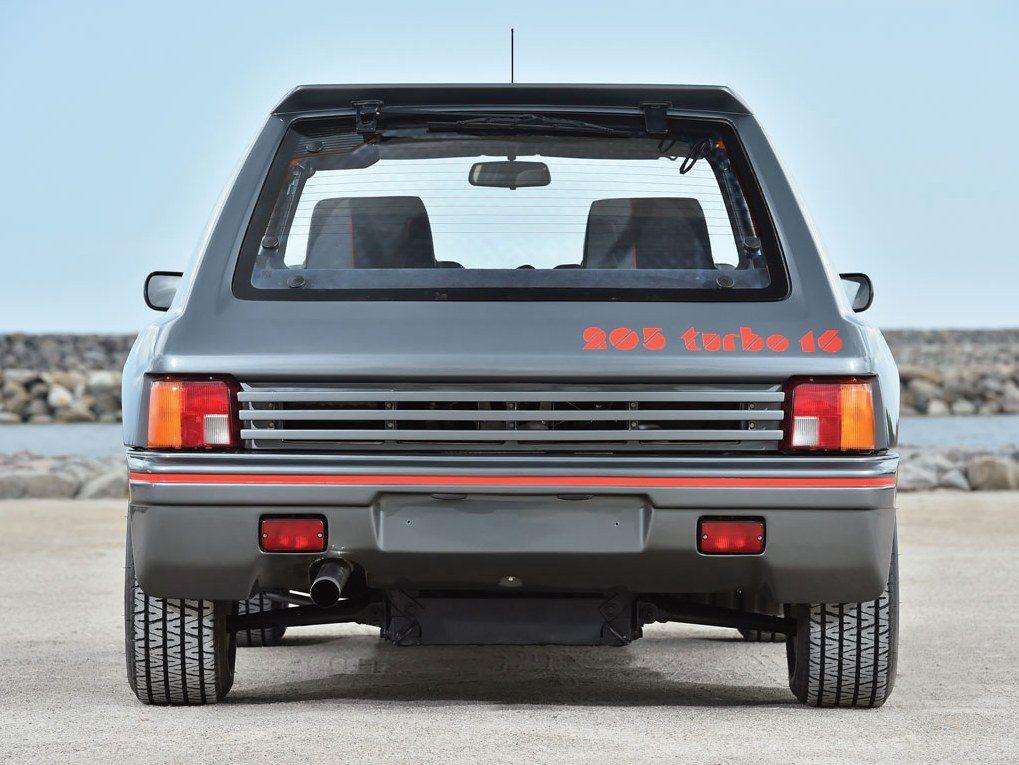Peugeot-205-T16-1984-001.jpg
