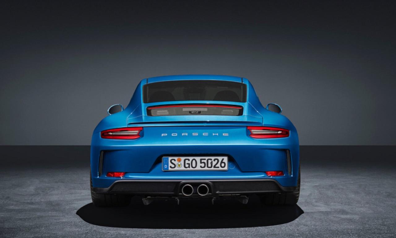 Porsche-911-GT3-Touring-Package-01.jpg