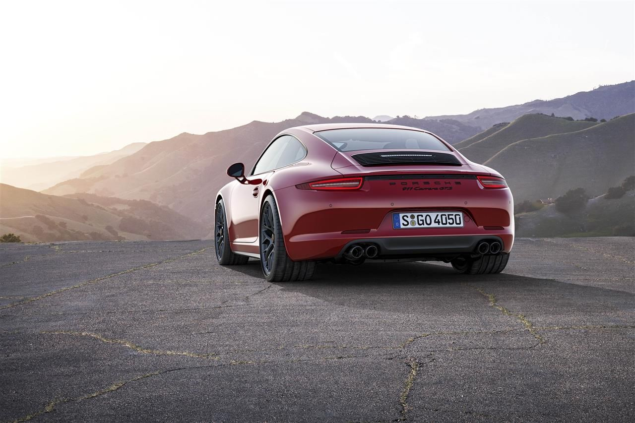 Porsche-911-991-Carrera-GTS-2015-001.jpg