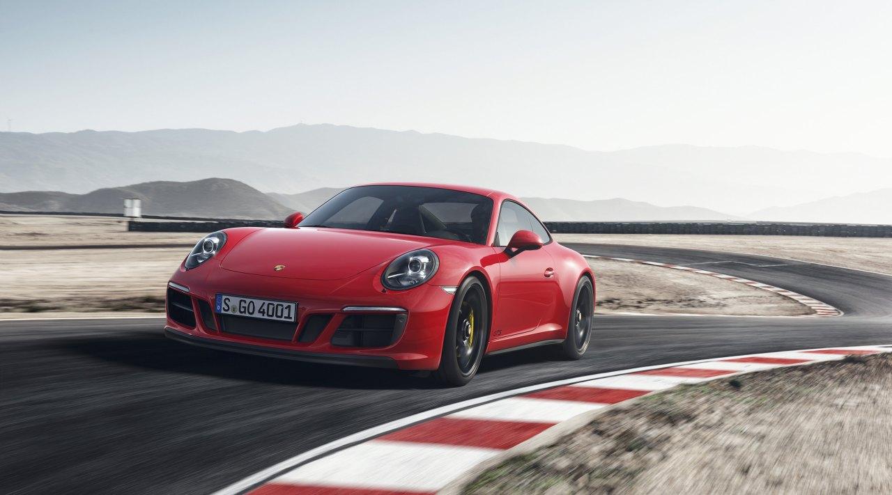 Porsche-911-GTS-2017-01.jpg