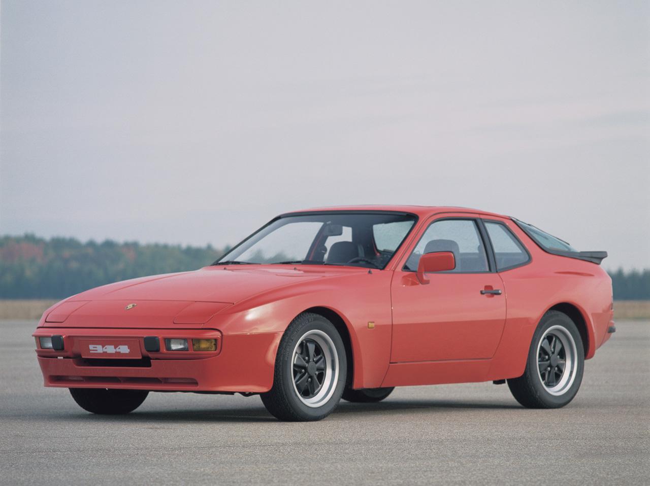 Porsche_944_01.jpg