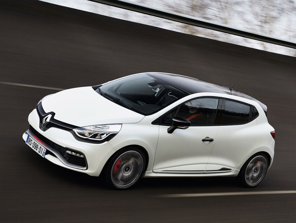 renault-clio-rs-trophy-220-01.jpg