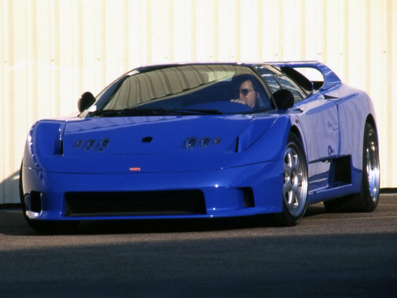 Rinspeed-Bugatti-Cyan-01.jpg