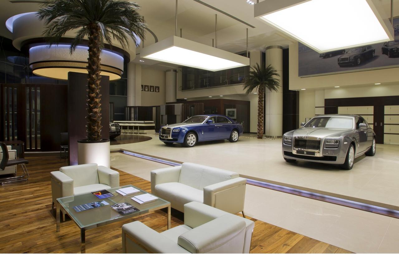 Rolls_Royce_Showroom_Abu_Dhabi_01.jpg