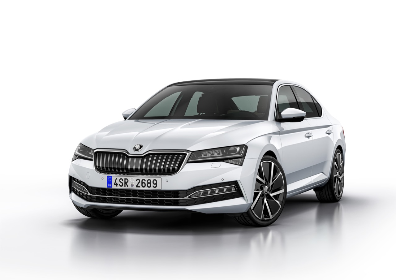 Skoda-super-facelift-2019-001.jpg