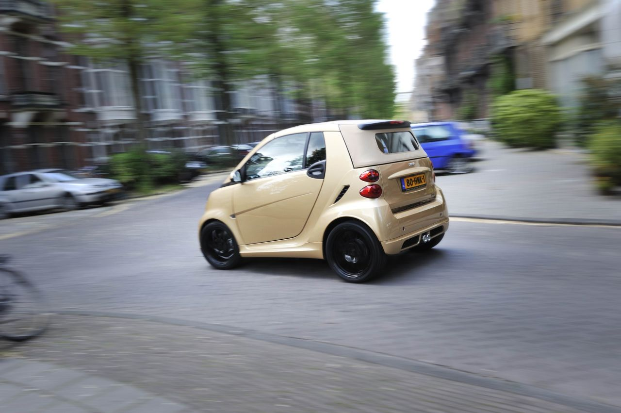 Smart_Fortwo_Edition_Ten_Gold_1.jpg