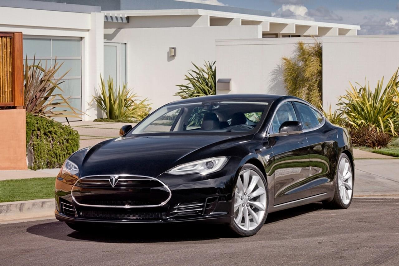 Tesla_Model_S_Alpha_1.jpg