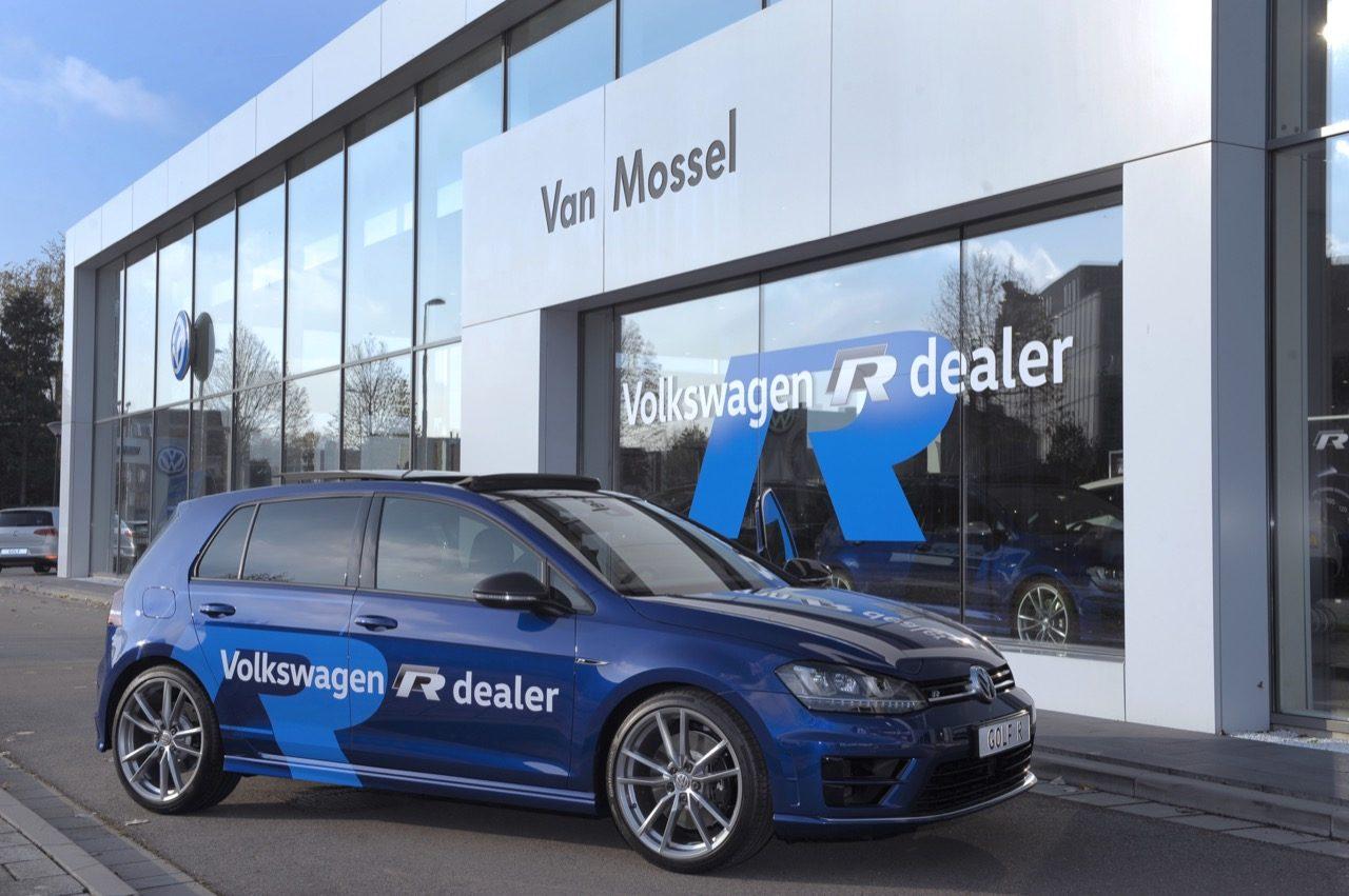 Volkswagen-R-dealer-van-Mossel-01.jpg