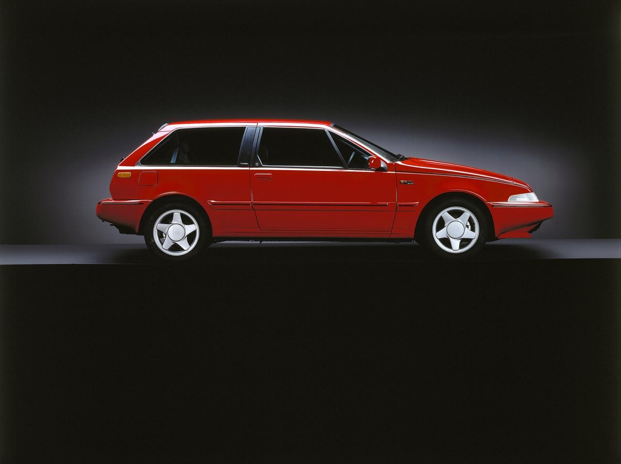 Volvo_480-01.jpg