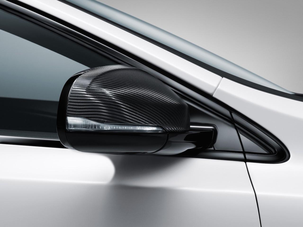Volvo-V40-Carbon-Edition-001.jpg