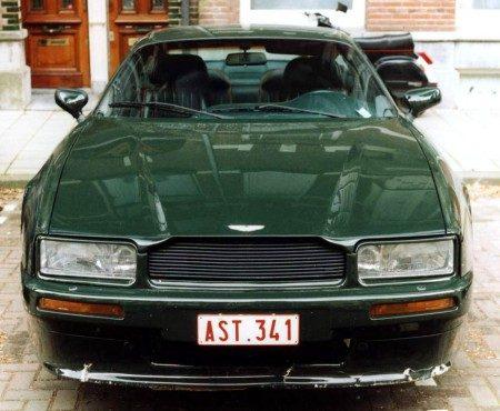Aston Martin Virage voorkant