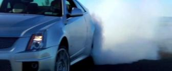 Video: driftende Cadillac CTS-V Coupe, en meer