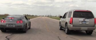 Video: GT-R vs Cadillac Escalade op dragstrip