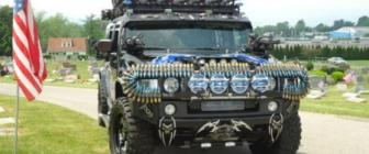 Vier Independence Day met de Black Knight Hummer