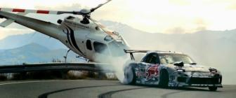 Video: Red Bull-fueled Mazda RX-7 drift 10km berg op