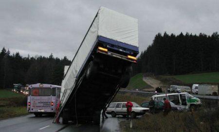 Vrachtwagen staand