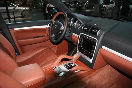 suv kiezen cayenne turbo s of bmw x5. Black Bedroom Furniture Sets. Home Design Ideas