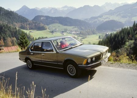 E28 in Alpenlandschap