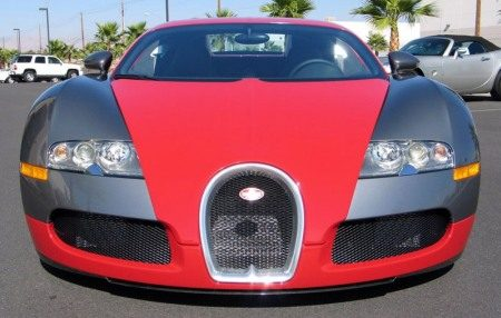 Bugatti Veyron red