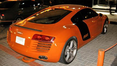 Audi R8 oranje
