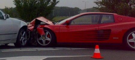 Ferrari Testarossa crash