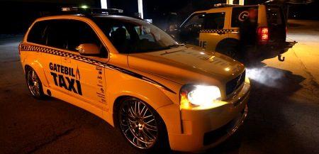 Gatebil XC90 taxi in het wild